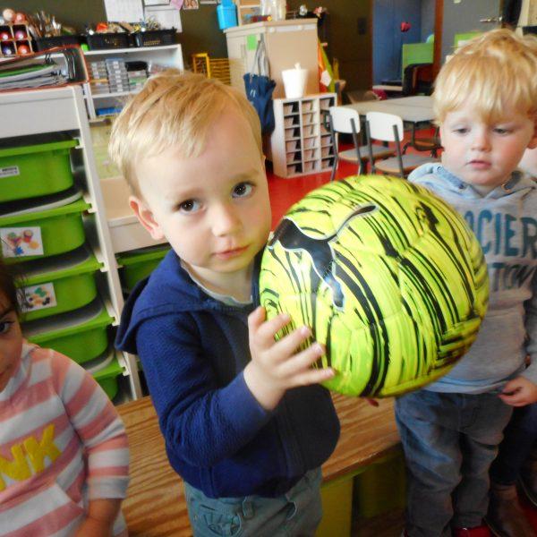 Kikkerklas: thema ballen - thema vaderdag.