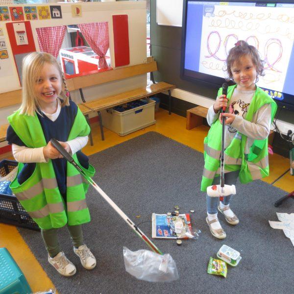 Thema 'Milieu, afval' in de giraffenklas